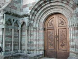 Sacra_di_san_michele,_chiesa_abbaziale,_portale_03
